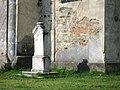 Památník u kostela svatého Michaela archanděla ve středu Jiříkova (Q72850238) 02.jpg