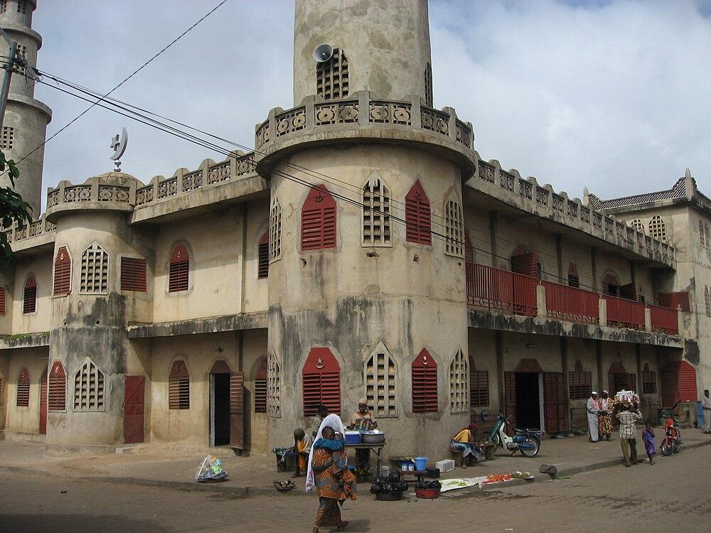 """Résultat de recherche d'images pour """"mosquée centrale de Parakou."""""""