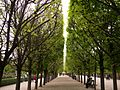 Park in Paris (15237407292).jpg
