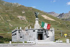 Tonale Pass - Image: Passo Tonale Monument