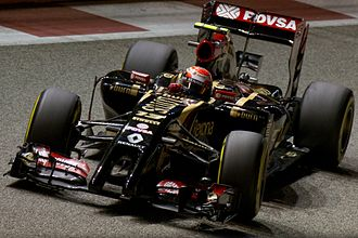2014 Singapore Grand Prix - Pastor Maldonado caused the second practice session to be stopped after crashing at turn ten.