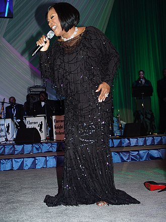 Patti LaBelle - LaBelle singing at a Obama presidential campaign, 2008 event