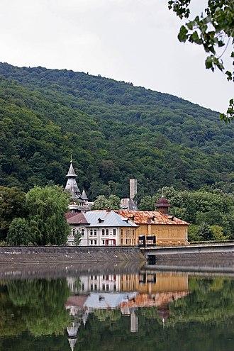 Călimănești - Image: Pavilionul Central Călimănești