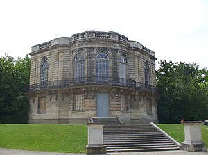 Palais Berlitz - The Pavillon de Hanovre rebuilt in the Parc de Sceaux