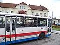 Pečky, autobus u nádraží.jpg