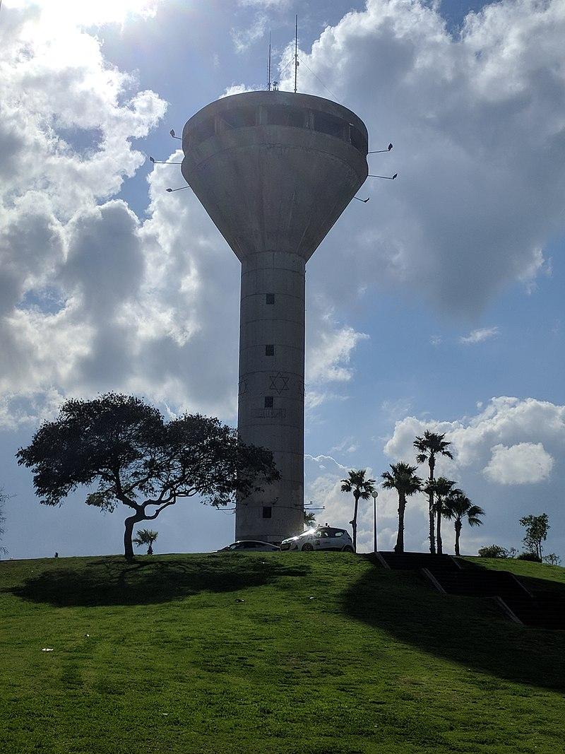 מגדל המים ביבנה