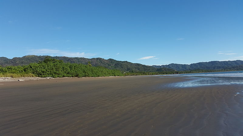 Archivo:Playa Tambor. Costa Rica (1).jpg