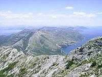 Pohled ze sv. Ilije, nejvyssiho vrchu Peljesce (961 m) podel.jpg