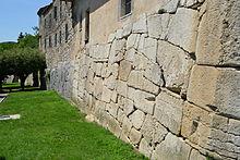 Polygonal masonry - Wikipedia
