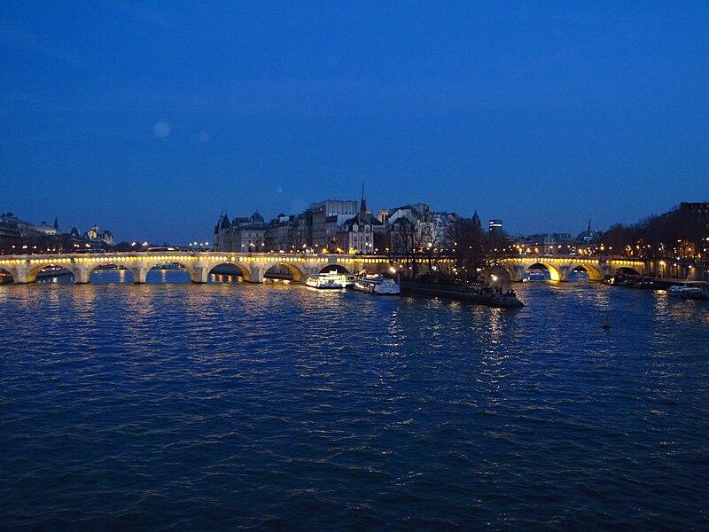 Fichier:Pont-Neuf au crépuscule.jpg