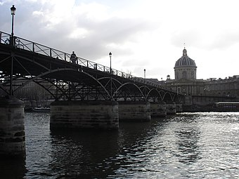 4cd3559a141137 Le pont des Arts et l Institut de France.