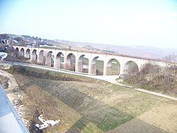 Ponte ferroviario nei pressi della stazione di Campolieto -Monacilioni.JPG