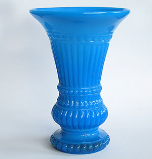 Vase - Image: Pressed Glas Milk Glass