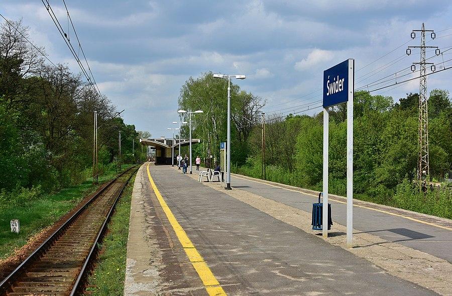 Świder railway station