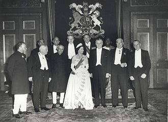 Ayub Khan (President of Pakistan) - Ayub Khan (back row, second from the right) with Elizabeth II, former Queen of Pakistan at the 1960 Commonwealth Prime Minister's Conference, Windsor Castle
