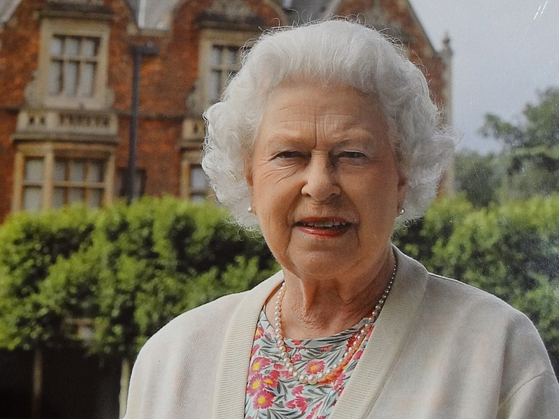 File:Queen Elizabeth II at Sandringham (14530070167).jpg