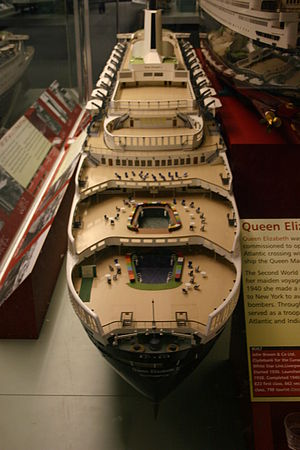Glasgow Museum of Transport - Model of the RMS ''Queen Elizabeth 2'' in the Clyde Room (Kelvin Hall)