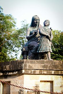 Raje Shivaji with mother Jijamata.jpg