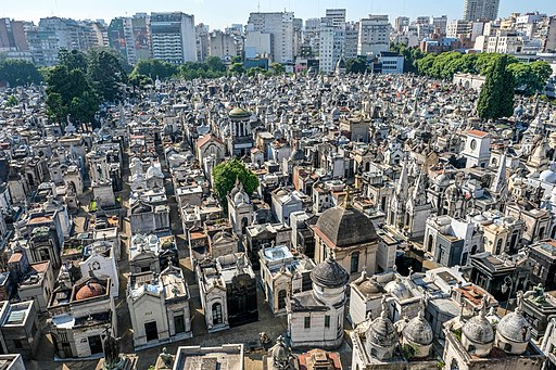 Recoleta cemetery panorama view by day (33999552946)