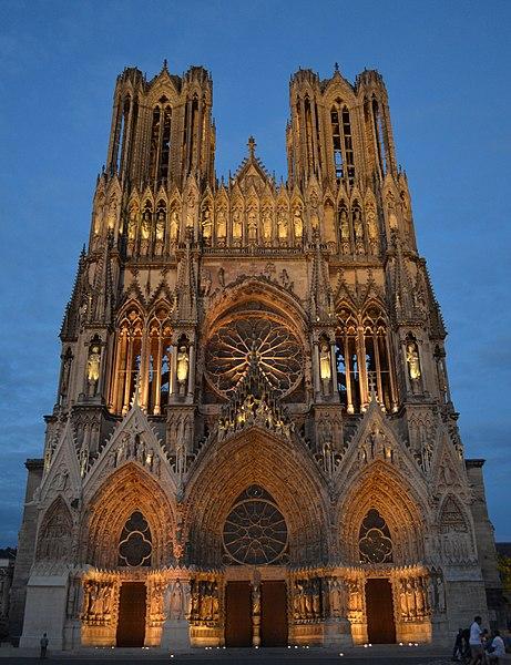 Bon Mardi  461px-Reims_Cath%C3%A9drale_Notre-Dame_5002