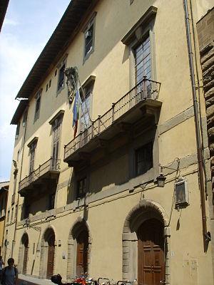 Biblioteca Riccardiana - Image: Retro di palazzo medici riccardi, entrata della biblioteca riccardiana