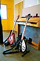 Rickenbacker 360-6 Fireglo (red), 360-12 Jetglo (black), Hammond M100, LowSwing studio, Berlin, 2011-01-22 13 39 20.jpg