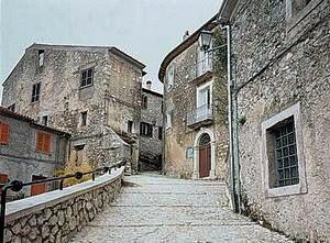 Roccasecca - View of the historical center of Roccasecca.