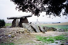 Rocks Navara dolmen, Spain 02-2005 01.jpg