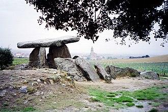 Basque prehistory - Basque dolmen of Elvillar, Araba