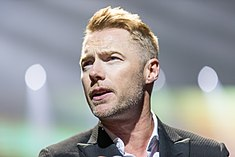 Ronan Keating - 2016330211648 2016-11-25 Night of the Proms - Sven - 1D X II - 0597 - AK8I4933 mod.jpg