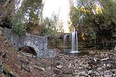 Ruins of old saw mill at Hilton Falls - panoramio.jpg