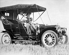 Russell Motor Car 1908.jpg