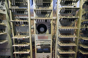 Manchester Small-Scale Experimental Machine - The output CRT is immediately above the input device, flanked by the monitor and control electronics.