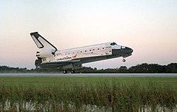 Wahadłowiec Columbia w trakcie lądowania