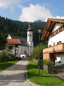 Il villaggio bavarese di Sachrang, dove Herzog ha passato l'infanzia, come appare oggi.