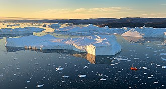 Ilulissat - Image: Sailing in the Icefjord