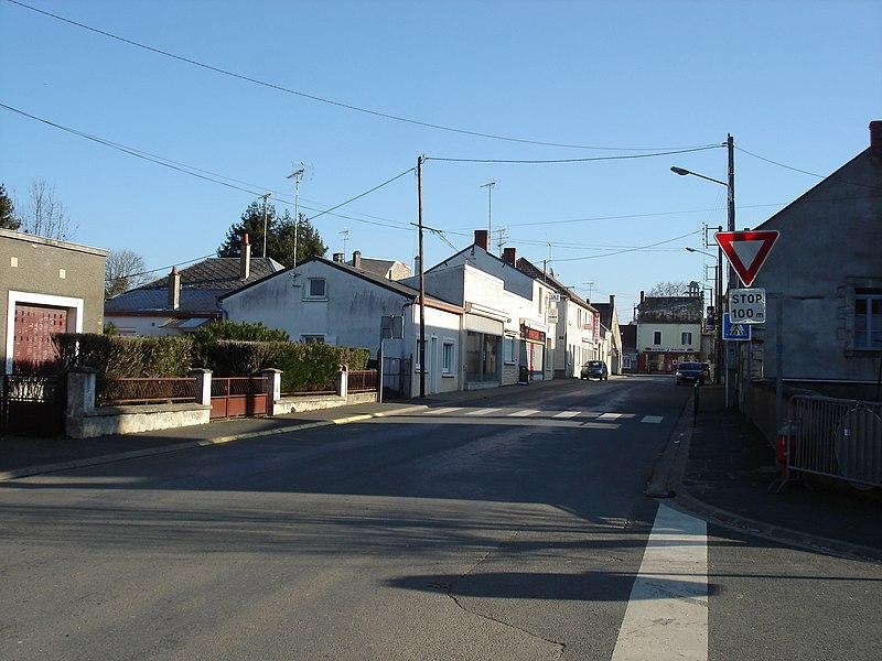 Saint-Août (36): Vue en direction de Lignières, de la route d'Ardentes (route départementale 14).