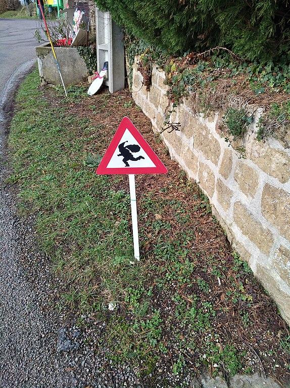 noel 2018 jura File:Saint Cyr (Jura)   Attention au Père Noël.   Wikimedia Commons noel 2018 jura
