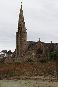 Saint-Michel-en-Grève - Église Saint-Michel 01.jpg