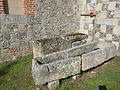 Saint-Omer-en-Chaussée sarcophage 2.JPG