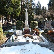 Grabstätte von Aloisia Lange und Sophie Haibl auf dem Salzburger Kommunalfriedhof. (Quelle: Wikimedia)