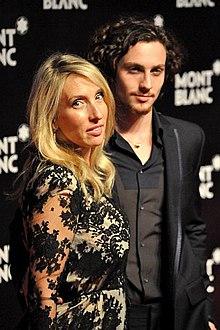 Aaron Taylor-Johnson con la moglie Sam Taylor-Wood nel 2010.