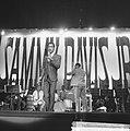 Sammy Davis Jr tijdens optreden in theater Carre, Bestanddeelnr 916-2045.jpg