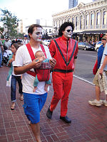 File:San Diego Comic-Con 2011 - Zombie Walk - daddy and Michael Jackson (6004553152).jpg