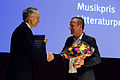 Saxofonisten Mats Gustafsson mottar Nordiska Radets musikpris vid Nordiska Radets session 2011 i Kopenhamn.jpg