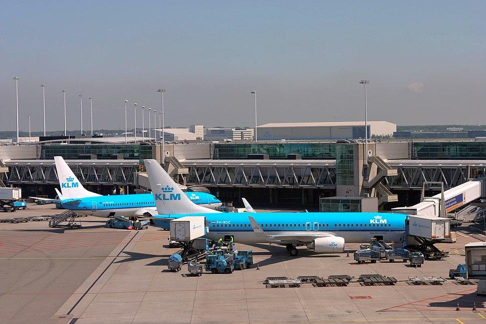 Schiphol Airport Pier D (7325966610)