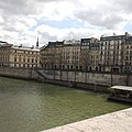 Seine riverbanks Paris 01.jpg
