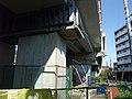 Shinkariyado park under Tokaido Shinkansen viaduct 02.jpg