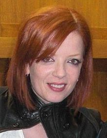 Shirley Manson Edinburgh 2009.jpg