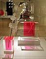 Shiro kuramata per ishimaru co. ltd, collezione spiral, vaso per fiore -2 e -3, 1989, in acrilico e vetro.jpg